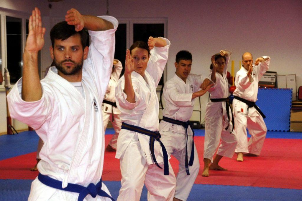 Karate z miękkimi mieczami