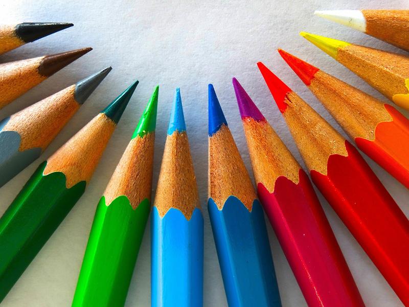 Kolorowe kredki – zajęcia kreatywne dla dzieci 4 – 8 lat