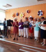 Spotkanie przy muzyce z okazji Dnia Matki z Klubem Seniora