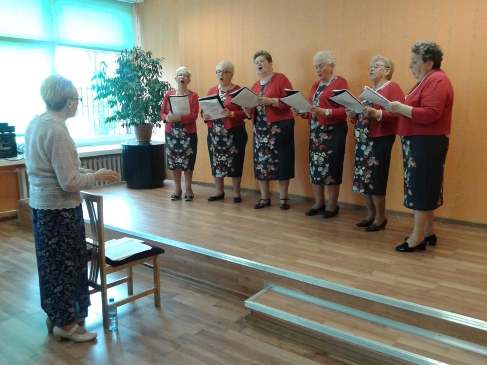 """Koncert Chóru """"Wesoła Ferajna"""" z okazji Dnia Matki"""