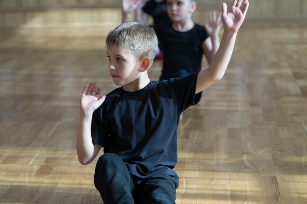 Trening sportowy dla dzieci z gimnastyką korekcyjną